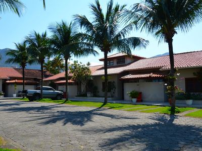 Photo for Comfortable home in Maresias, gated community, total leisure, 100m from the beach