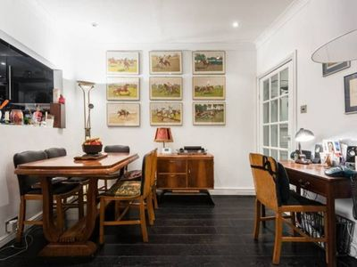 Photo for Beautiful and charming Notting Hill garden flat