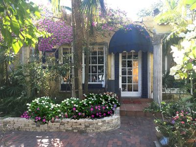 🐕🦺 ❤MONTHLY PROMO❤ 2BR+gated garden-Coconut Grove-Center-Pets🐕🐩