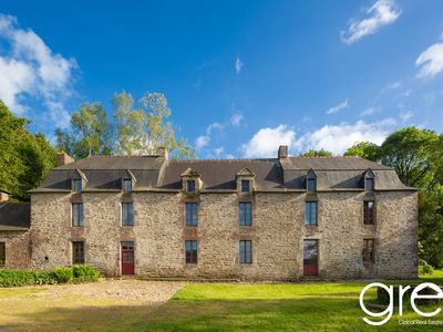 Photo for Authentic Breton mansion of the 17th, 350 m2, quiet in the moors of Lanvaux