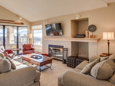 Photo for Bright townhouse-style condo w/ shared pools, hot tub, & sandy beach access!