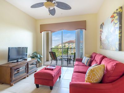 Photo for Bright and cheery 3-bed, 2-bath condo with balcony and plenty of space!