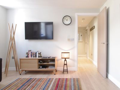 Photo for Crisp and Contemporary East End near Brick Lane