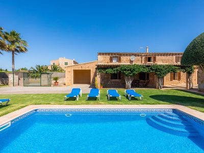 Photo for Beautiful Country House with Pool, Garden, Terrace, Air Conditioning and Wi-Fi; Parking Available