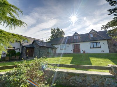 Photo for Trefeglwys is 4 miles north of the market town of Llanidloes and this delightful, well-equipped cott