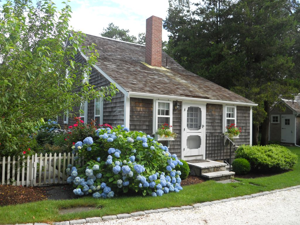 Authentic Cape Cod Antique Home West Brewster