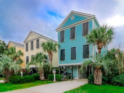 Photo for **DISCOUNTED RATES** HALF A BLOCK TO BEACH ACCESS, PET FRIENDLY, PRIVATE POOL