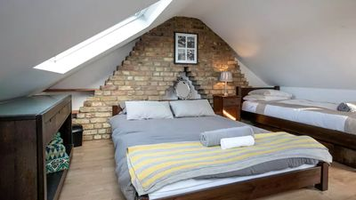 Photo for LONDON -Unique & stylish + garden room. Short stays.Sleeps 15 Perfect for groups