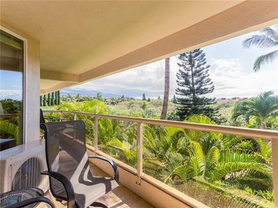 Photo for Maui Banyan T-305 - Ocean View Beach Condo for 10