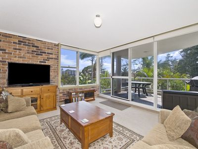 Photo for Mainsail 6, 17 Owen Street,