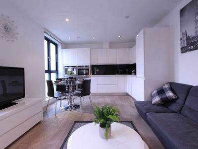 Photo for Modern 2 Bedroom Apartment in the heart of London
