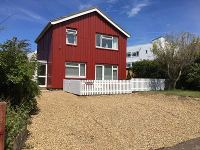 Photo for Crab cottage: Detached house with sea views