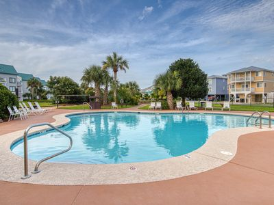 Photo for Sunny & bright condo w/ Gulf views, beach access, shared pools, & a fitness room