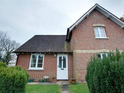 Photo for Vacation home Knowle  in Robertsbridge - Bodian, South - East - 2 persons, 1 bedroom
