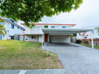 Photo for Traditional Queenslander - pet friendly with a big yard