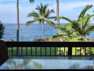 Lanai has Table for 6 & 2 Chaise Lounges
