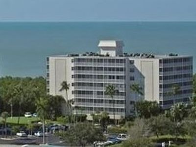 Vanderbilt Towers III is very first building from Gulf of Mexico.