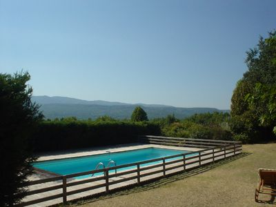 Photo for Charming farmhouse with stunning views on the Luberon mountains
