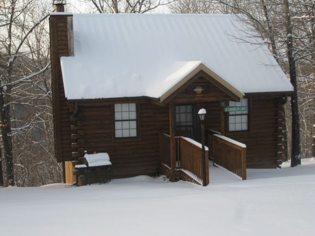log cabin1 bdrm wooded secluded jacuzzi wifi nature trails 1