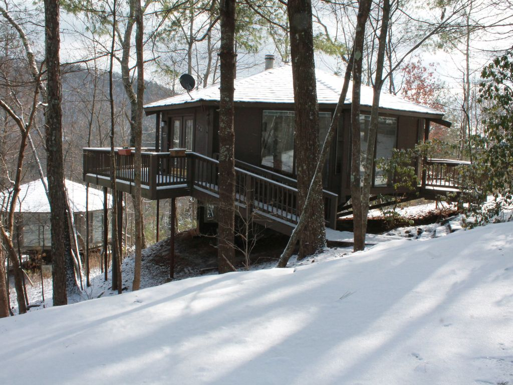 Treetop cabin in big canoe walk to most amenties great for Big canoe lodge