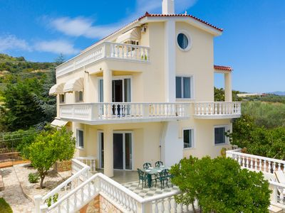 Photo for Villa Stella: A dream house in the outskirts of Kiato, Korinthos