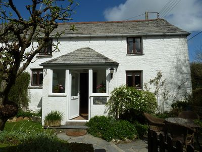 Photo for Romantic cosy cottage, pet friendly with pretty garden near Padstow and beaches