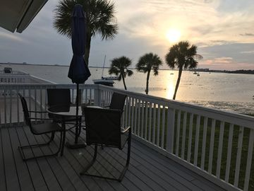 REAL !! ON THE BEACH CONDO BEST SUNSET VIEW stay longer and save $$