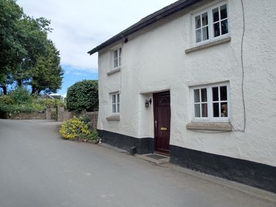 Photo for 3BR House Vacation Rental in Kentisbeare, near Cullompton