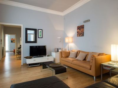 Photo for Spacious Plaza Universitat apartment in Eixample Esquerra with WiFi, integrated air conditioning, b…
