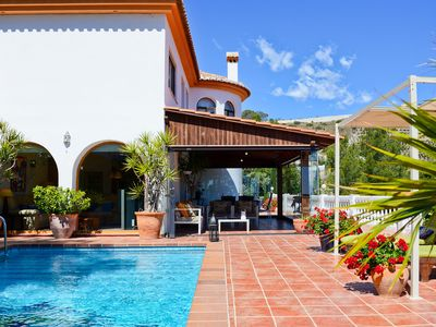 Photo for Luxurious Villa with Pool, Terrace, Garden, Wi-Fi & Air Conditioning; 1 Pet Allowed