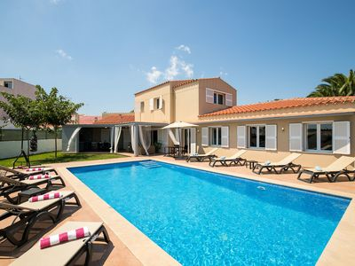 Photo for Elegant holiday home with pool in prime location - Villa Romero