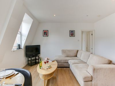 Photo for The Kensington High Street Apartment - FUL - One Bedroom Apartment, Sleeps 2