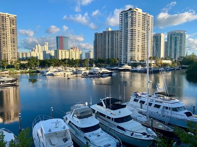 Photo for Luxury the Yacht Club at Aventura 2/2 amazing water view   .Parking included
