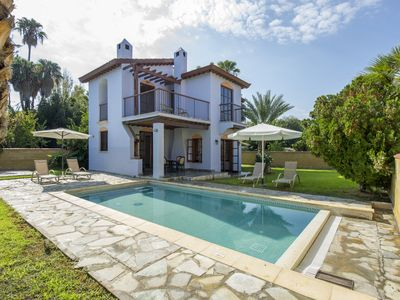 Photo for 3 Bbr Villa with private pool on the beach, Stunning Location