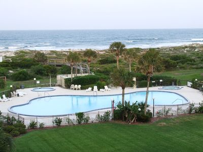 Huge outdoor pool at the oceanfront, hot tub, and kiddie pool too!