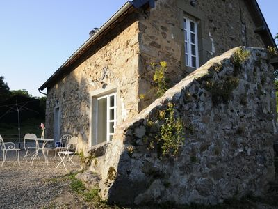 Photo for Charming old stone house in the Morvan, tastefully restored, comfortable  (WLAN)