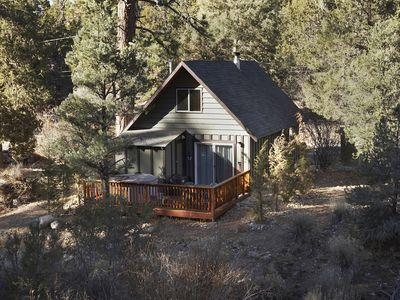 Photo for Quiet mountain cabin with a private hot tub, steps away from the national forest