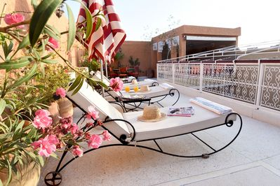 Sunny and secluded roof terrace