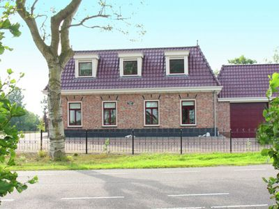 Photo for Comfortable holiday home for ten people along the North Holland Canal