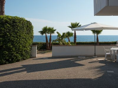 Photo for Three-room apartments located in the Blu Side Residence, directly in front of the sea of Torre San G