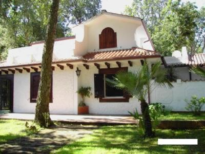 Photo for Between sea and lake in the Park Circeo elegant and comfortable villa in the gre
