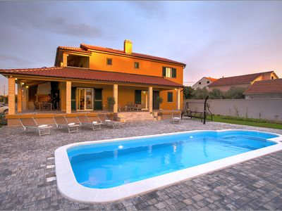Photo for Amazing Villa close to the beach, private pool, Jacuzzi, sauna, gym