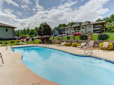 Photo for Comfortable condo w/ community pool & gas fireplace - minutes from lake access!