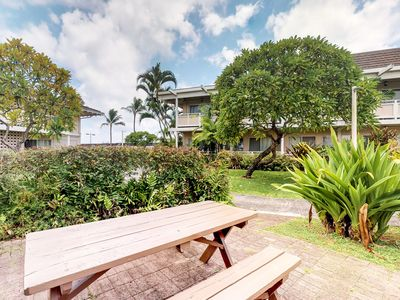 Photo for Bright beautiful condo w/shared pools & easy beach access - close to everything!
