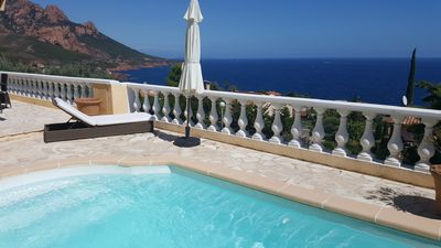 Photo for Air-conditioned villa with sea view, heated pool, close to the beach and golf courses