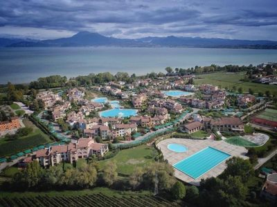 Photo for Holiday apartment Peschiera del Garda for 1 - 4 persons with 1 bedroom - Holiday apartment