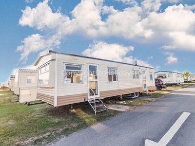 Photo for 8 berth caravan for hire at California Cliffs near Great Yarmouth ref 50002G