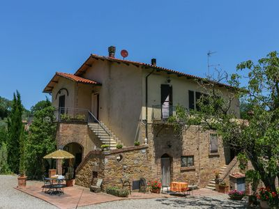 Photo for Cozy Farmhouse in Montepulciano with Swimming Pool