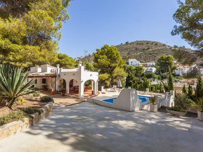 Photo for CARMEN - Rustic villa with private pool just 800 m from the beach El Portet Moraira