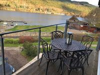 Beautifully appointment apartment. Well equipped and has fabulous views over Loch Tay .